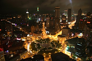 A brightly lit area of downtown Dalian (大连), China