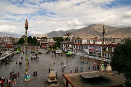 A view of Barkhor Square from Jokhang Temple (大昭寺) in Lhasa (拉萨), Tibet, China