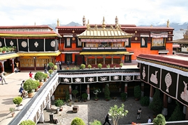 A view downard into a courtyard of Jokhang Temple (大昭寺) in Lhasa (拉萨), Tibet, China