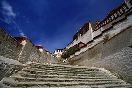 A view up the stairs of Potala Palace (布达拉宫) in Lhasa (拉萨), Tibet, China