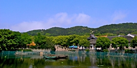 A temple and lake on the island of Putuoshan