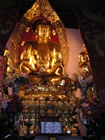 A gold Buddha statue at Cold Mountain Temple in Suzhou (苏州), China