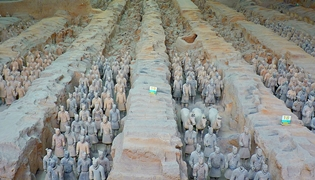 Still-intact columns and rows of terracotta soldiers at the tomb of the First Emperor near Xi'an (西安), China